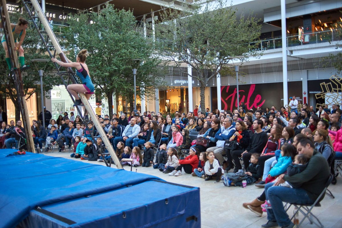 Festival Internacional de Circo y Chow en Paseo Central